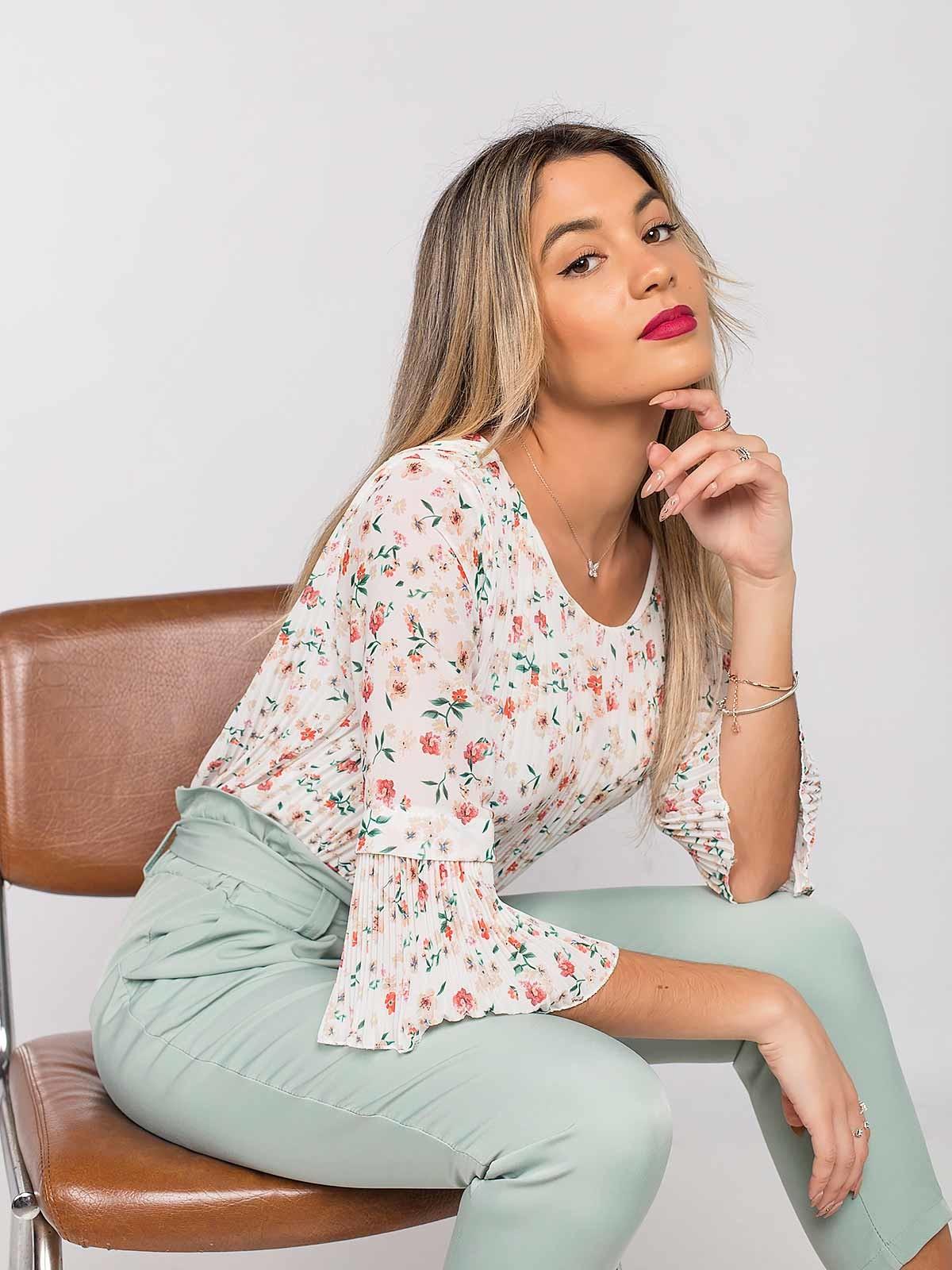 Blusa plissada floral