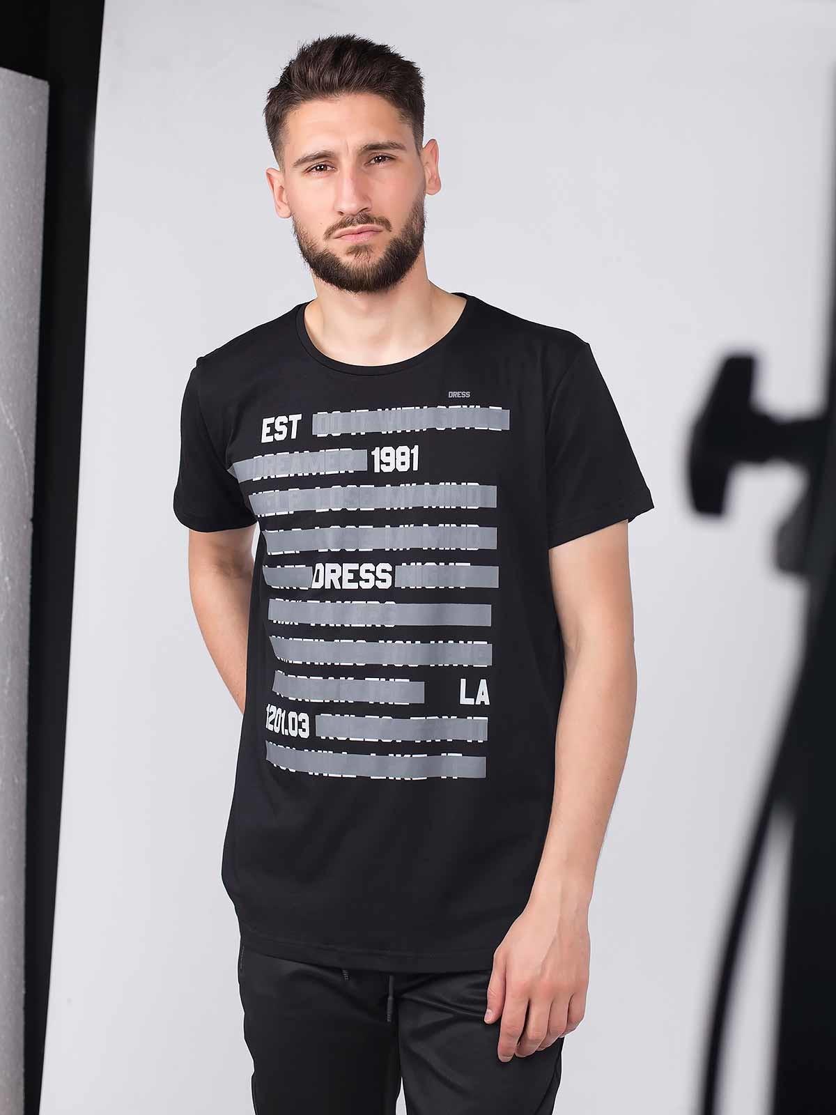 T-shirt manga curta estampado