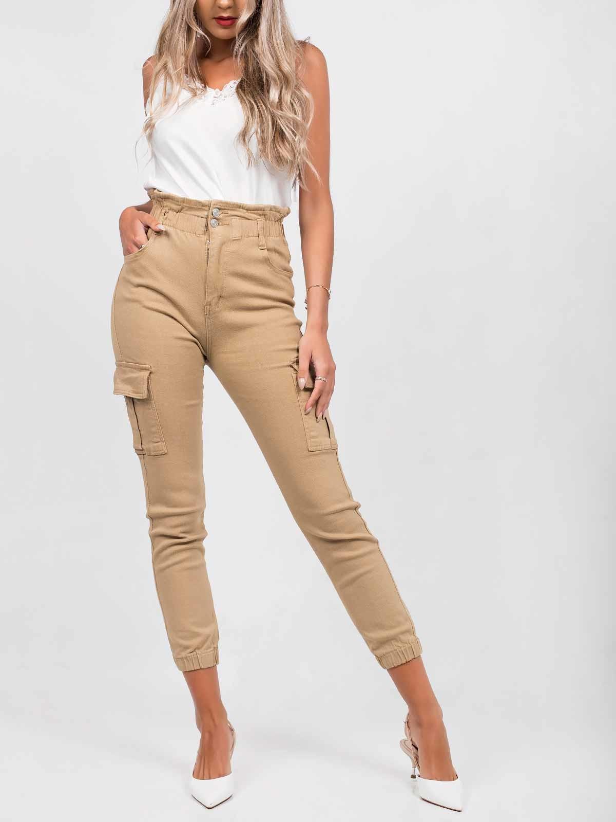 Pantalones cargo con volante