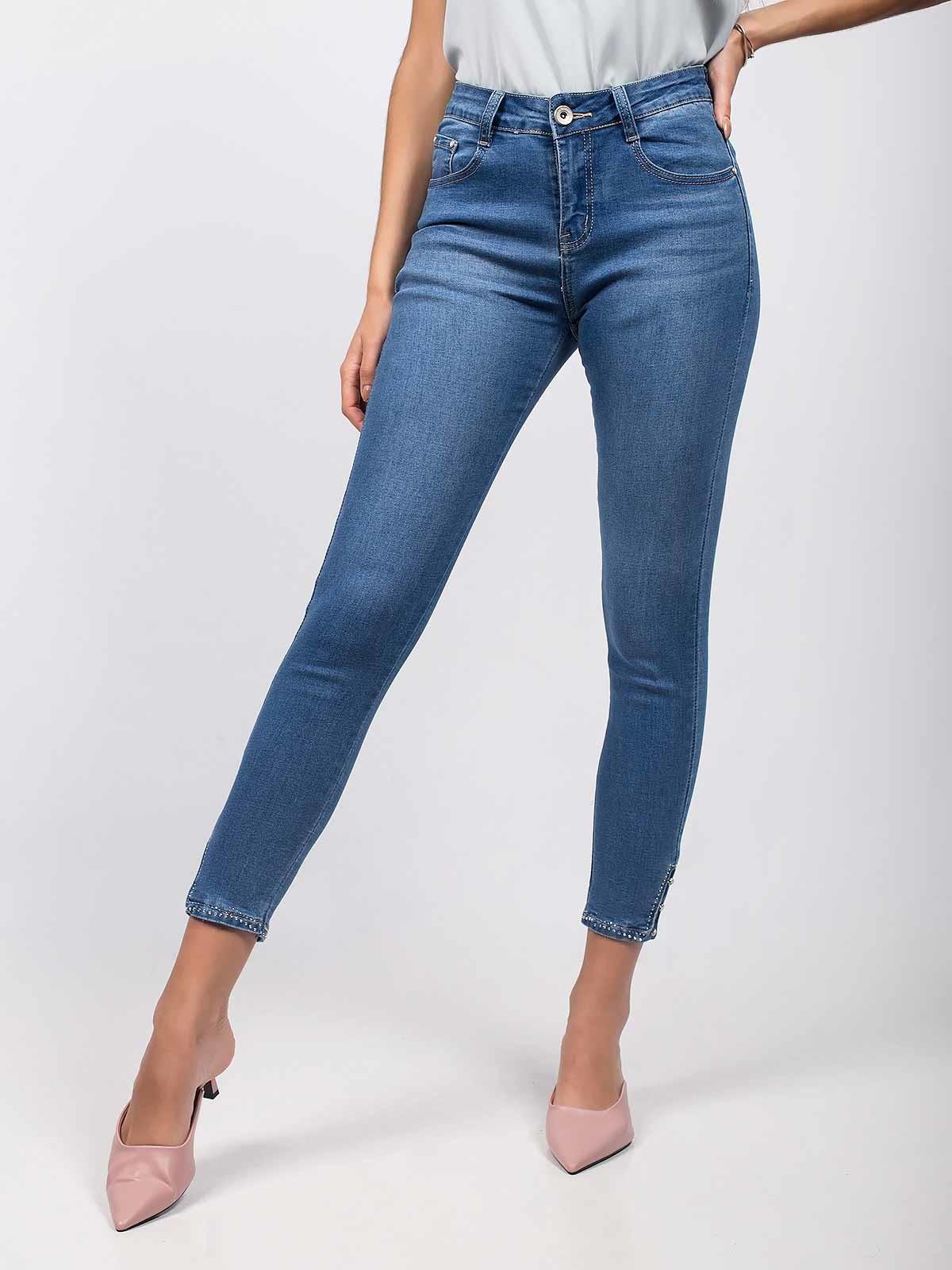 Calças ganga skinny jeans com aplicações