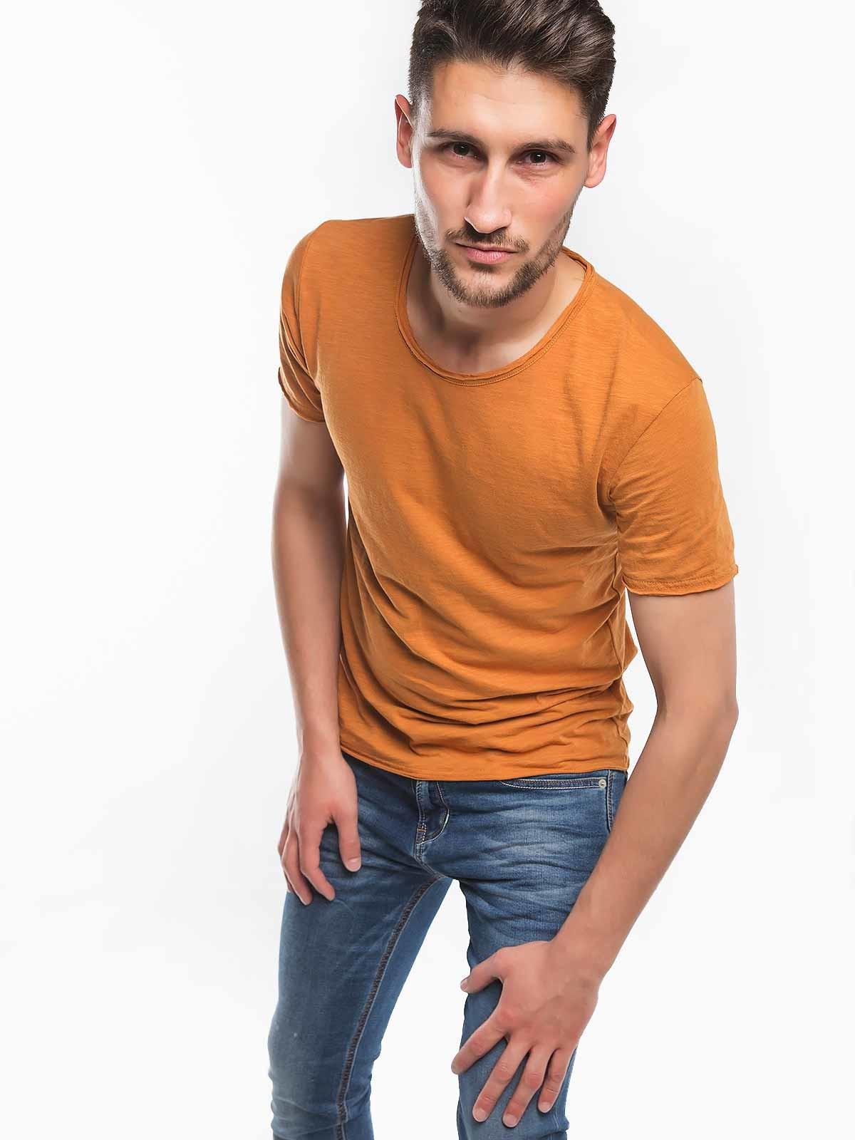 T-shirt homem em algodão
