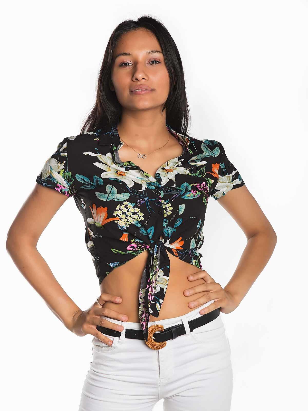 Blusa curta padrão floral com nó