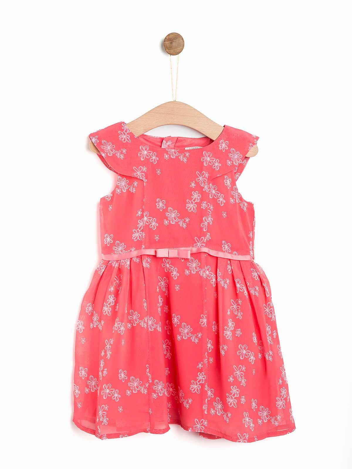 Vestido florido de menina