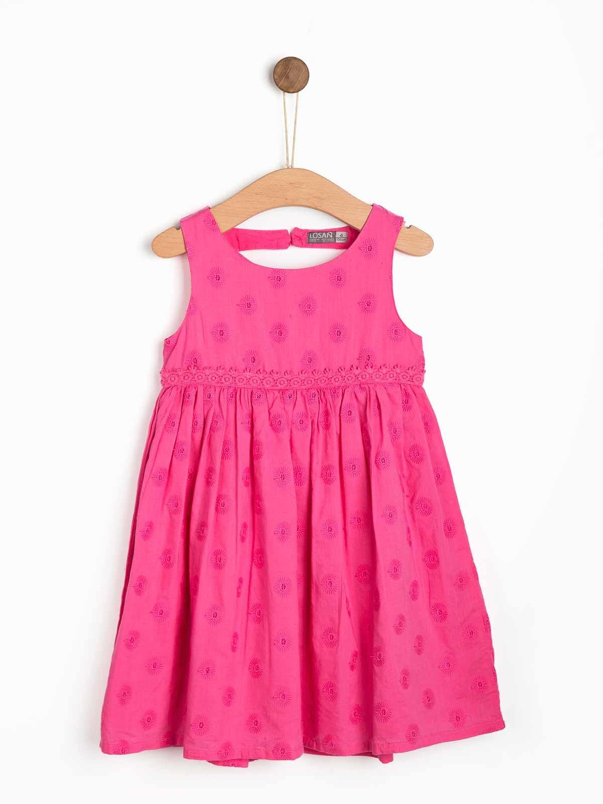 Vestido bordado para niña